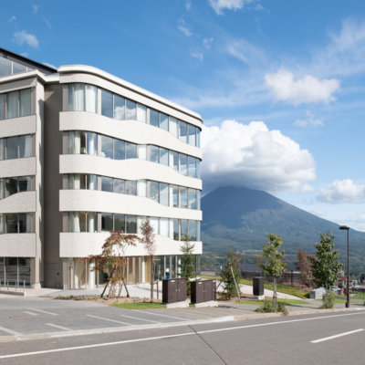 Skye Niseko Exterior Summer Day Low Res 11